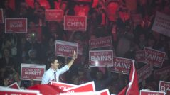trudeau-election-waving
